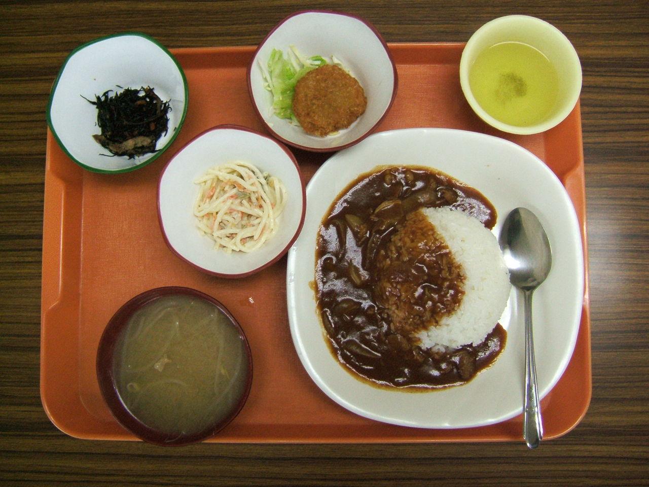 三進お昼の定食