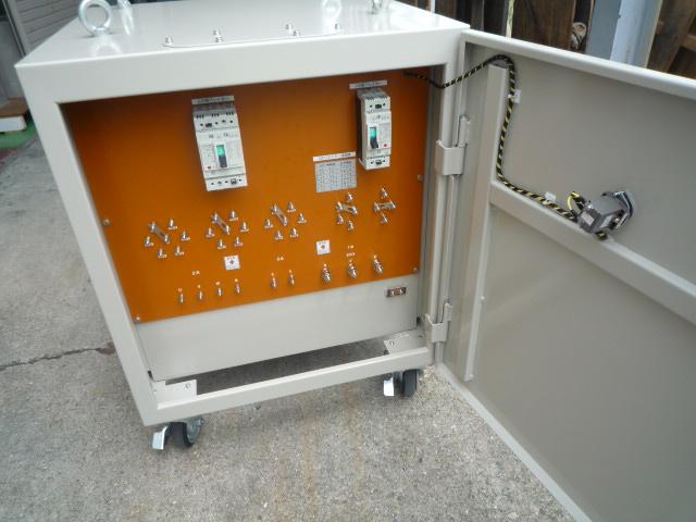 充電部は露出しないようになっている変圧器の構造