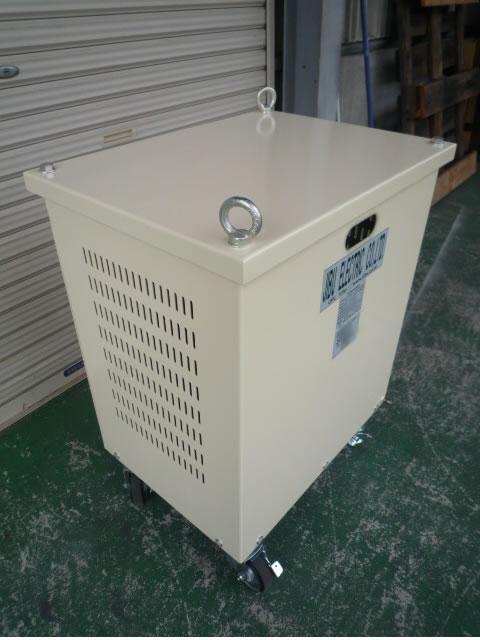 屋内ケース入り昇圧変圧器(アップトランス)