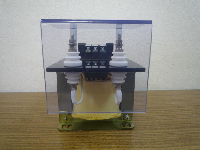 入力側1500V 計器用変成器