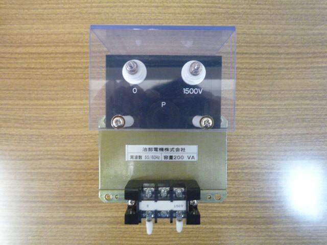 計器用変成器 上部から見た接続端子群