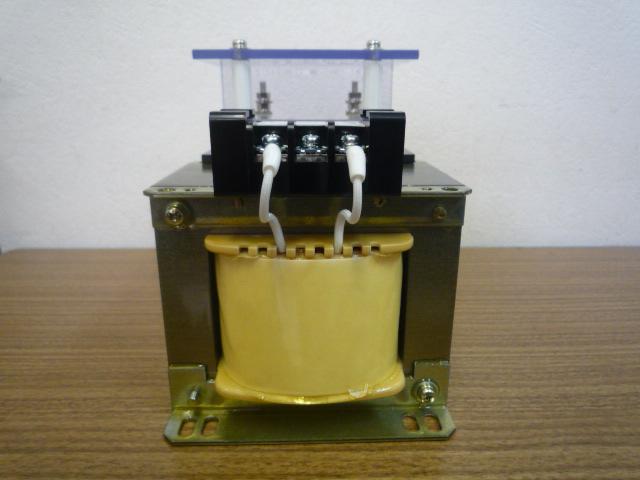 出力側150Vの計器用変成器 200VA