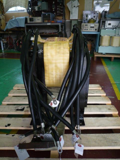 活用できる部材はオーバーホールして再利用した変圧器