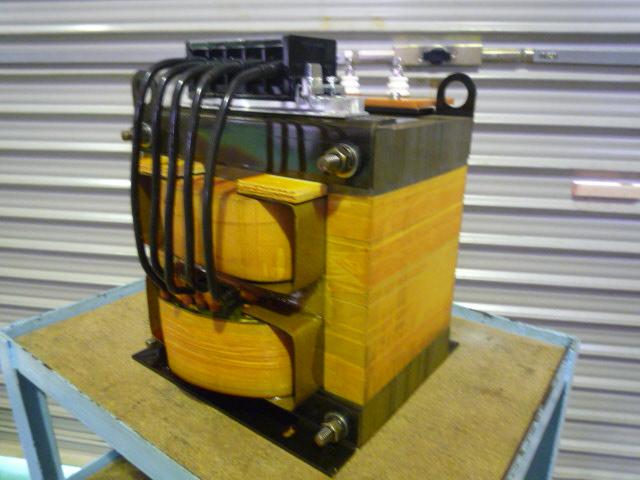 磁気漏れ変圧器をリーケージトランスと呼ぶ