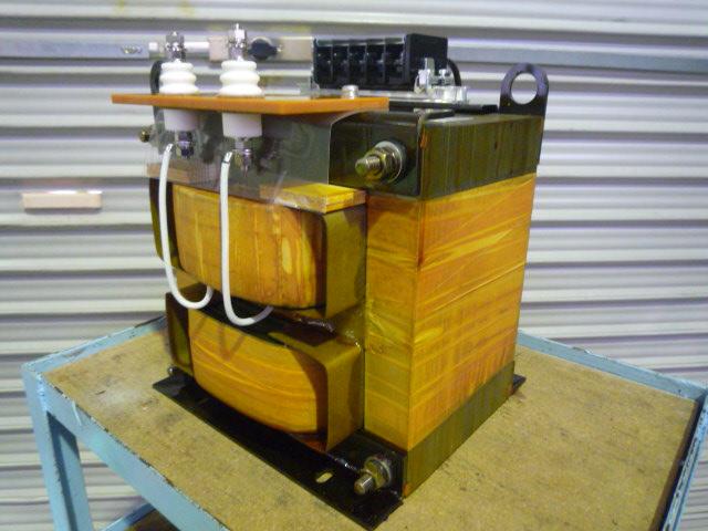 出力側2000V級 リーケージトランス