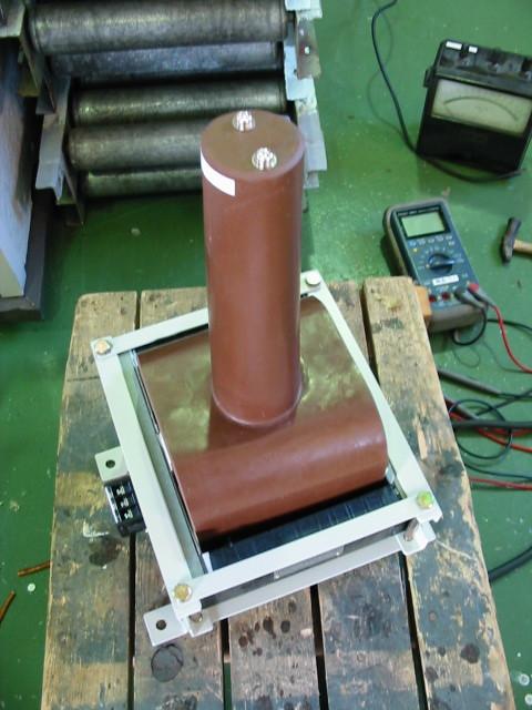 高電圧出力コイルにもモールドを使うことがある