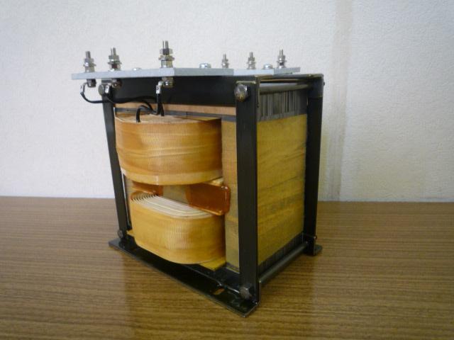 単相漏れ磁束変圧器 入力単相100V出力単相1300V