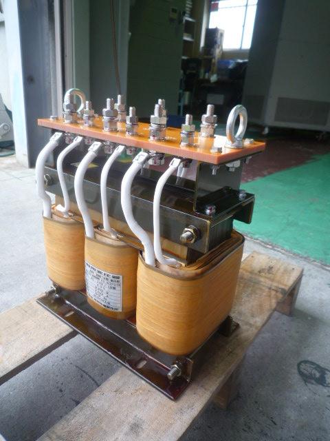 モーター起動時に使う始動用変圧器(コンペンセイター)
