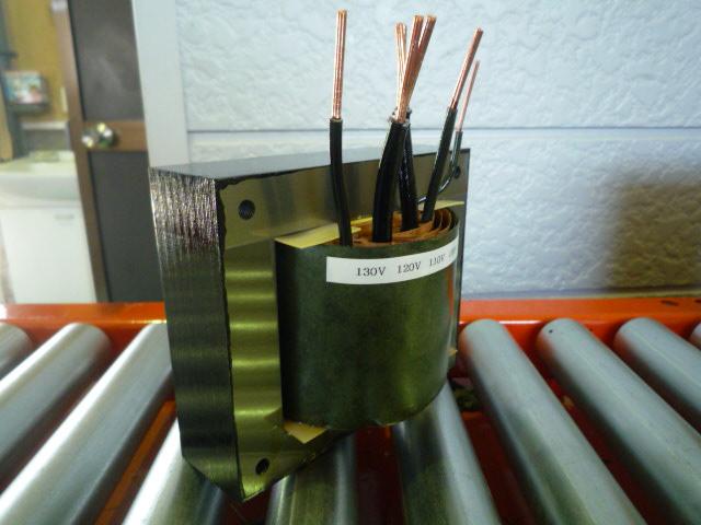 単巻変圧器(オートトランス) 電位差の少ない回路で活用される