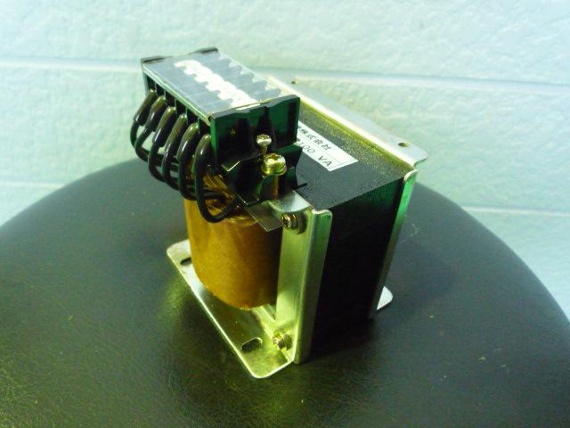 400Vから100Vにする制御用変圧器(ダウントランス)