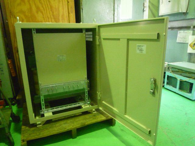 高効率で電気代削減する変圧器