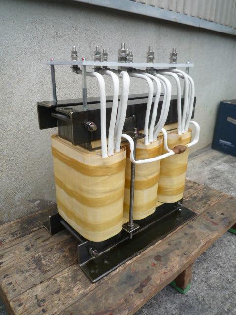 三相単巻変圧器