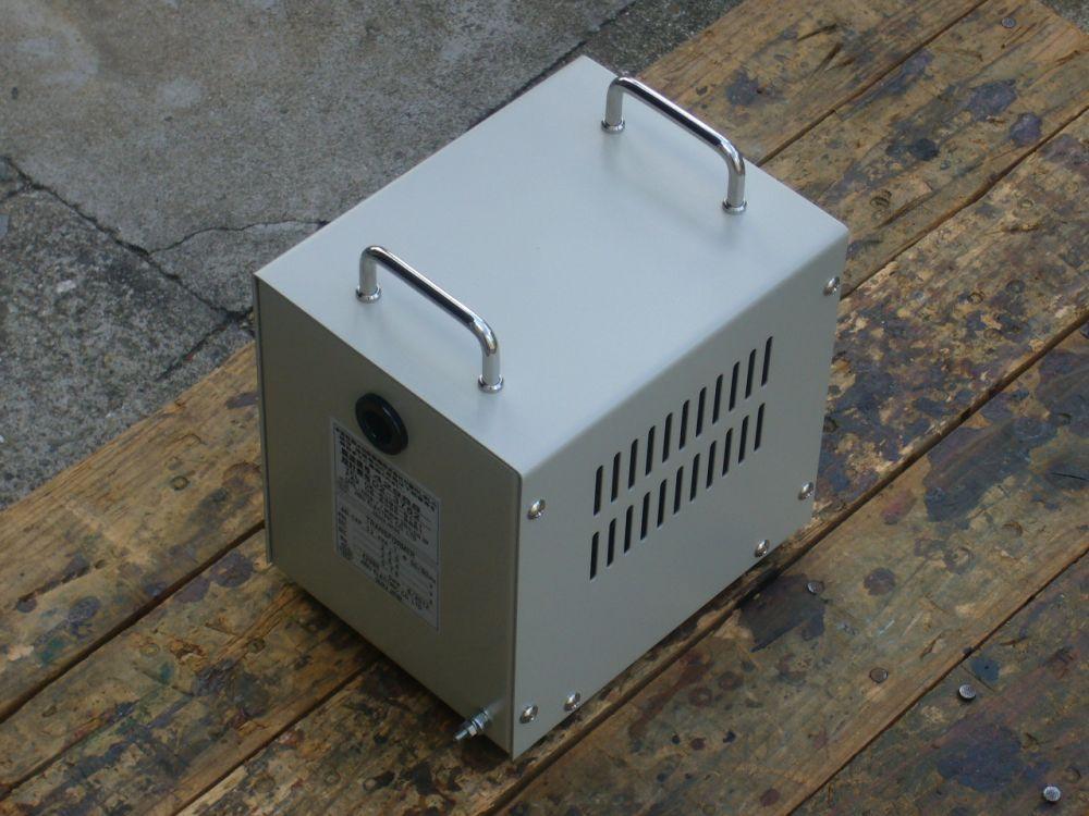 小型化して尚且つ持ち運びが出来る変圧器小型化対策