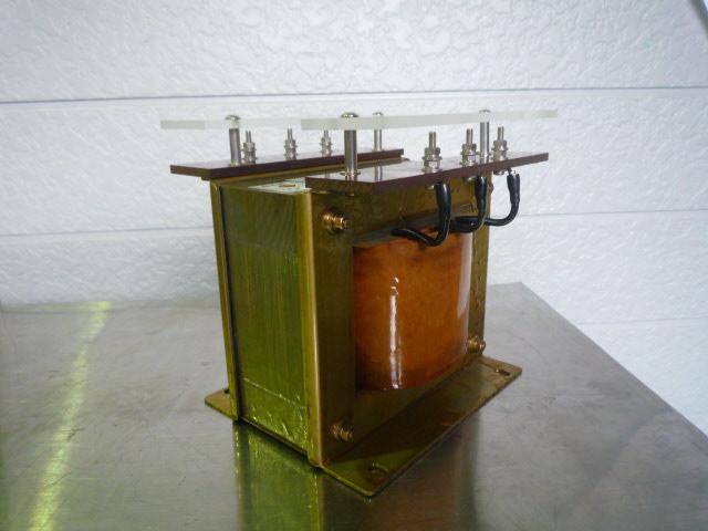 絶縁変圧器 タイトランス