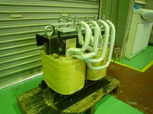 熱処理装置制御用降圧変圧器
