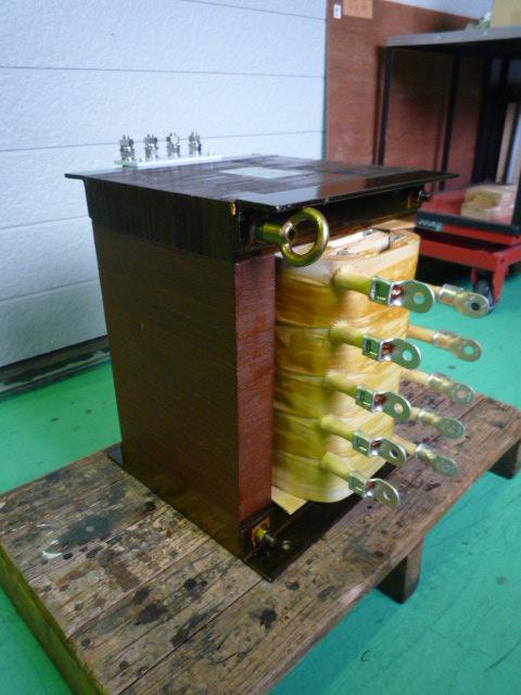 電気炉用大電流発生変圧器の修理 サイリスタ位相制御用変圧器