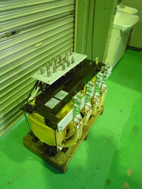 電気炉用三相から単相変換する降圧(ダウン)トランス