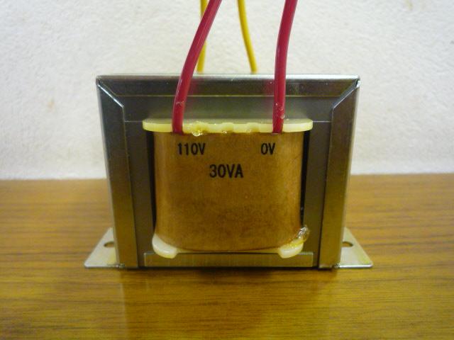 出力110V赤リードトランス