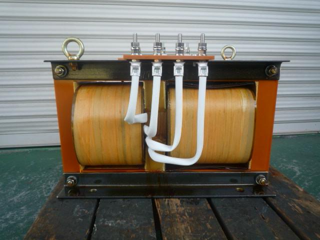 入力側配置 磁気漏れ変圧器