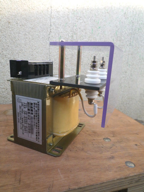 計測用変圧器 1185Vから110Vに下げて電圧測定する