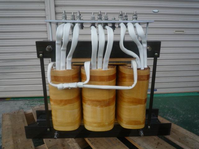 変圧器のスター結線配線