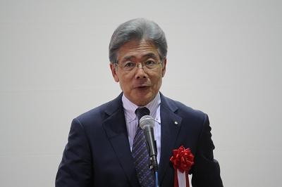 来賓挨拶をする平松市長