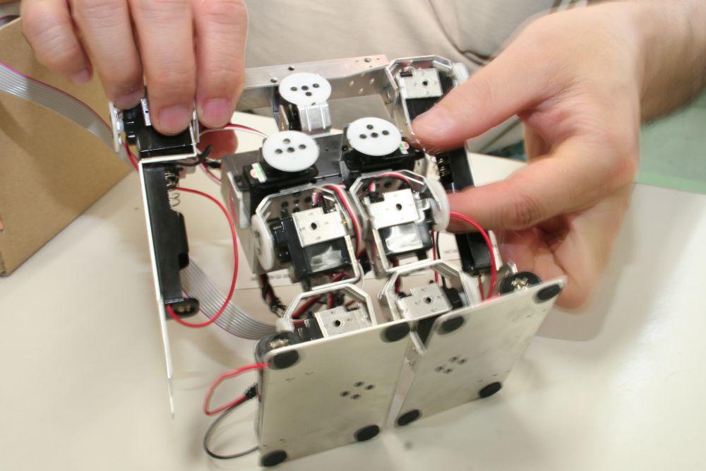 ロボット学習キットの完成品