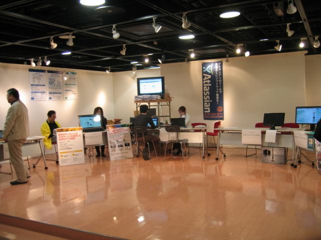 関西オープンソース2011展示風景