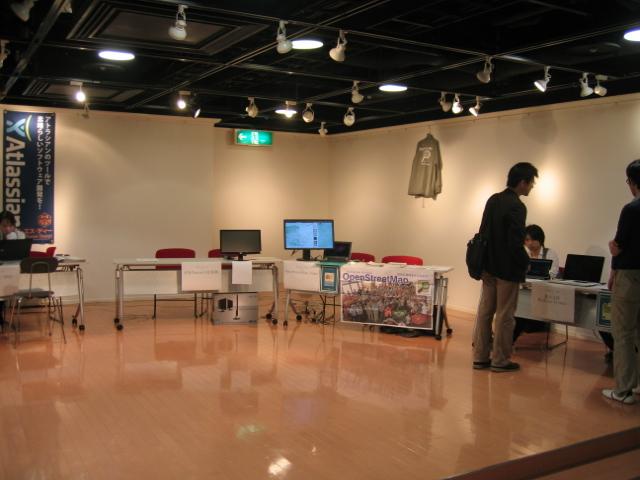 関西オープンソース2011展示風景2