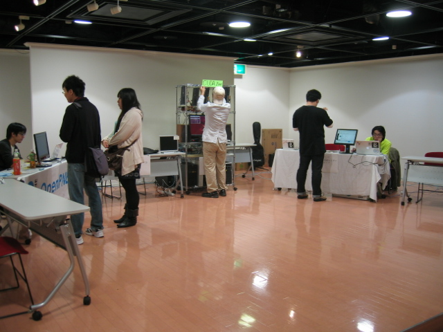 関西オープンソース2011展示風景3