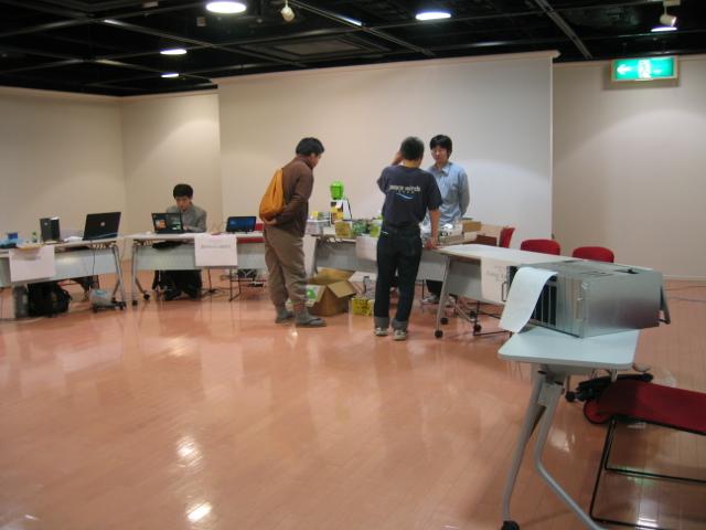 関西オープンソース2011展示風景4