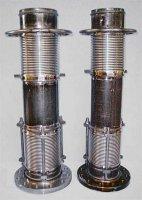 製鐵所の酸素吹き込み用ホース(ランスホース)に使うユニバーサル式3層ベローズ ベローズ内径180mm 面間900mm ベローズ板厚0.3mmx3層 材質ベローズSUS316L 短管STPG フランジSS400 JIS20Kフランジ付 設計圧力 1.63Mpa 軸方向伸縮量±20mm  軸直角変位量±60mm